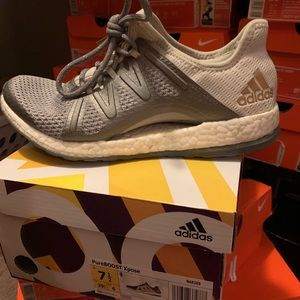 Pure boost adidas 7.5